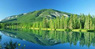 Banff National Park ligt in Canada en is het oudste national park van Canada.