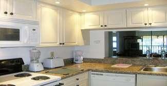 Keuken in een appartement van Shorewalk Vacation Villa