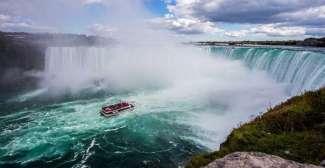 De Niagara Falls van dichtbij bekijken met een boottocht