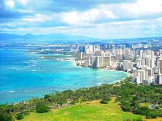 Waikiki Beach is het bruisende uitgaanscentrum aan de zuidoostkust van Oahu.
