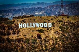 Na de eerste wereldoorlog werd Hollywood het belangrijkste centrum voor het maken en distribueren van films.