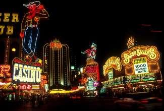 Het Plaza Hotel & Casino ligt in het centrum van Las Vegas.