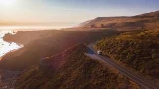 Genieten van de prachtige kustlijn van Californië
