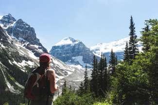 Banff National park in het westen van Canada biedt ongekende outdoor activiteiten zoals wandelen en mountainbiken.
