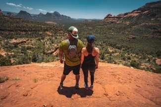 Het plaatsje Sedona ligt in Arizona en is een perfecte plek om een wandeling te maken tussen de rode rotsen.