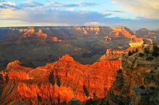 De Grand Canyon is door de Colorado River uitgesleten tot wat het nu is.
