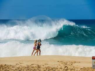 De noordkust van Oahu is met de enorme golven een geliefde surfplek.