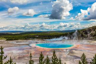 Laat u betoveren door de geisers en warmwaterbronnen in Yellowstone NP.