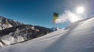Snowboarding, een van de vele winterse activiteiten in Telluride.