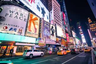 Times Square is het bruisende middelpunt van Manhattan met theater, bars en restaurants.