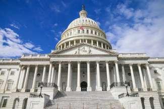 In het Capitool in Washington zetelt het Congres bestaande uit het Senaat en het Amerikaanse Huis van Afgevaardigden.