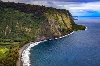 De kust van het grootste eiland van de Hawaii Archipel, Big Island.