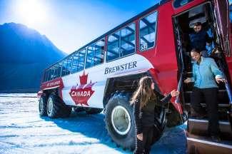 Hiermee rijdt u naar de Athabasca Glacier.