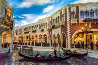 Varen op de rivier in het Venetian Hotel.