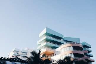Een van de opvallende architectonische gebouwen in het Art Deco District van Miami.