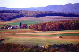 Heuvelachtig en gevarieerd landschap in Pennsylvania.