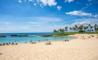 De lagunes op Oahu bieden rustige zwemplekken.