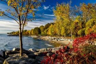 Lake Ontario wordt omring door een schitterend glooiend landschap.