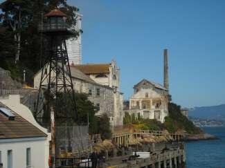Op 21 maart werd Alcatraz defiintief gesloten.