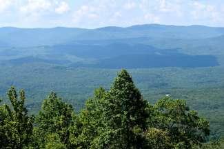 weids uitzicht in de bergen