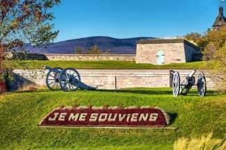 Bezoek de Citadel in Quebec. Van daaruit heb je ook een prachtig uitzicht over de rivier.