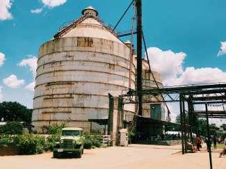 Magnolia Market at the Silos bevindt zich op circa 15 minuten lopen van de Waco Suspension Bridge.