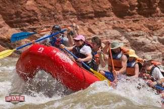 Boek een geweldige rafting trip op de Colorado River.