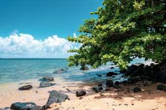 Anini Beach ligt aan de noordkust van Kauai