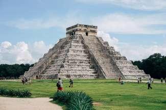 Chichen Itza ligt op cica 2 rijden van Playa Del Carmen en op circa 3 uur van Cancun.
