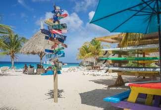 Curacao hat mehrere wunderschöne Strände, z.B. Grote Knip, Playa Lagun oder Jan Tiel Beach.