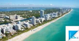Miami Beach heeft eindeloze stranden met moderne strandhotels.