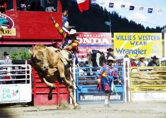 Na de Williams Lake Stampede gaan de cowboys en cowgirls door naar de Calgary Stampede.