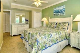 De appartementen van het Barefoot Beach Resort hebben 1 of 2 slaapkamers