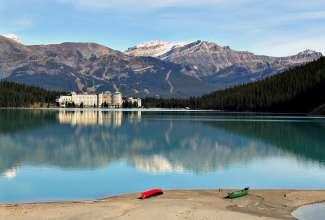 Het indrukwekkende Lake Louise ligt in National Park Banff in de provincie Alberta.