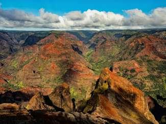 Plan een helicoptervlucht boven Waimea Canyon en geniet van geweldige uitzichten