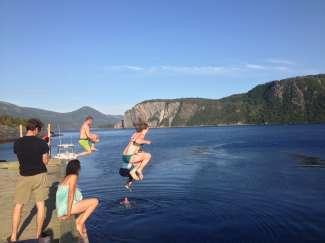 Er zijn verschillende zwemmogelijkheden voor waterratten in het Gros Morne National Park.