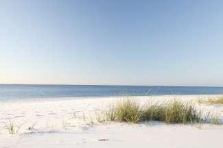 Witte zandstranden aan de Gulf Coast in Alabama.