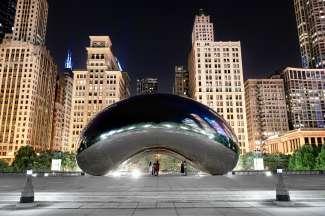 De wereldberoemde 'The Bean' in Millennium Park in Chicago