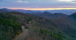 indrukwekkend uitzicht op de bergen van de Blue Ridge Mountains.