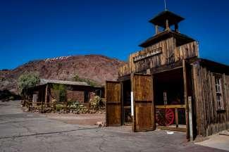 Het typische spookstadje Calico Ghost Town ligt in Yermo, Californië.
