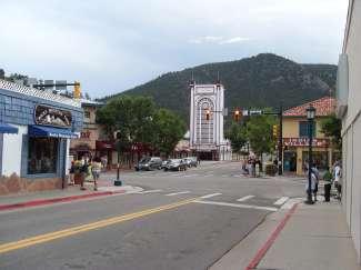 In het centrum van Estes Park vindt u verschillende winkeltjes, musea, restaurants en bars.