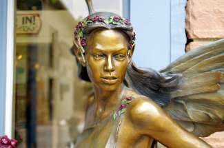 In Estes Park staan verschillende bronzen sculpturen.