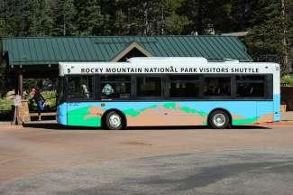 Estes Park ligt nabij de oostelijke ingang van Rocky Mountain National Park.