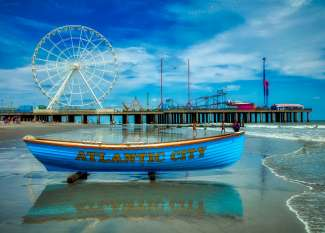 De pier van Atlantic City biedt plaats aan een attractiapark.