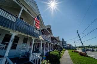 Het eiland staat bekend om de pittoreske 19e eeuwse Victoriaanse huizen met veranda.