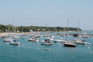Met de boot over het water is hier erg populair.