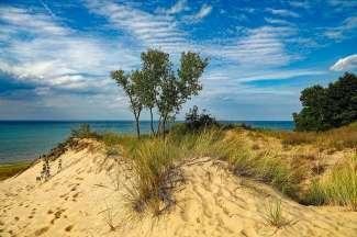 Het Indiana Dunes State Park is een recreatieve trekpleister in Indiana.