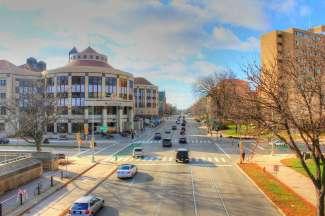 Naast talloze tuinen biedt Madison ook diverse restaurants en uitgaansgelegenheden, bijvoorbeeld op State Street.