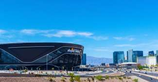 Het Allegiant Stadium Las Vegas is de thuisbasis van The Raiders.